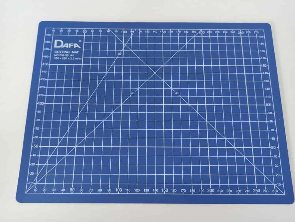 Коврик для раскроя с разметкой,формат А4,двухсторонний