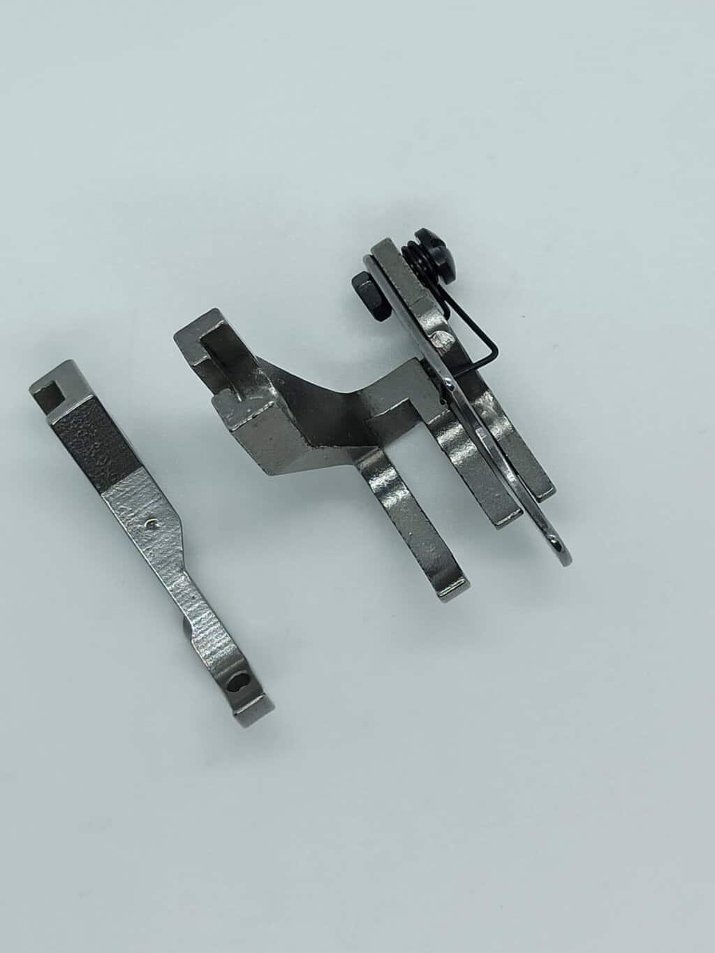 Лапки для машины с двойным транспортом с ограничителем 6,5мм(комплект)